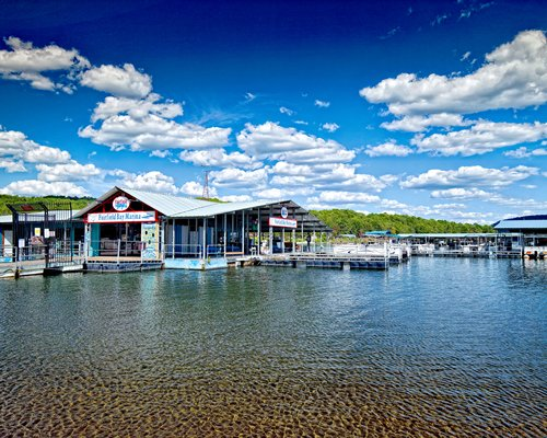 Discount hotels and attractions in Fairfield Bay,