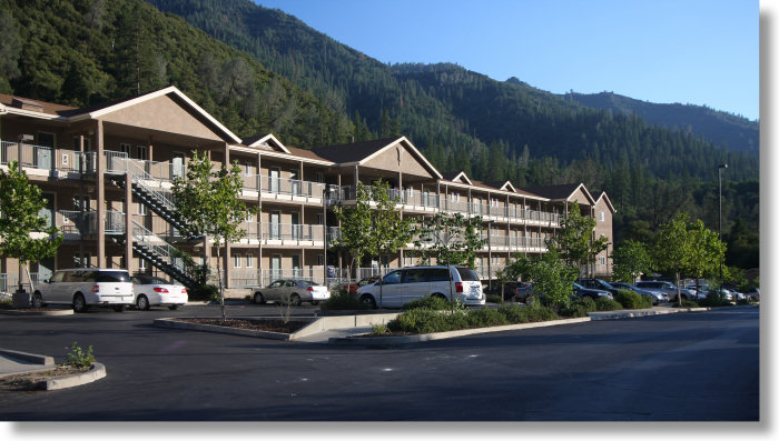 Discount hotels and attractions in El Portal, California