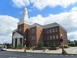 Discount hotels and attractions in Campbellsville, Kentucky