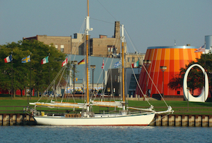 Discount hotels and attractions in Bay City, Michigan