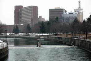 Hotel deals in Flint, Michigan