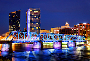 Discount hotels and attractions in Grand Rapids, Michigan