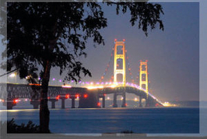 Discount hotels and attractions in Mackinaw City, Michigan