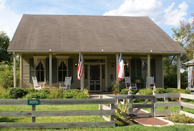 Discount hotels and attractions in Chappell Hill, Texas