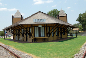 Discount hotels and attractions in Hearne, Texas